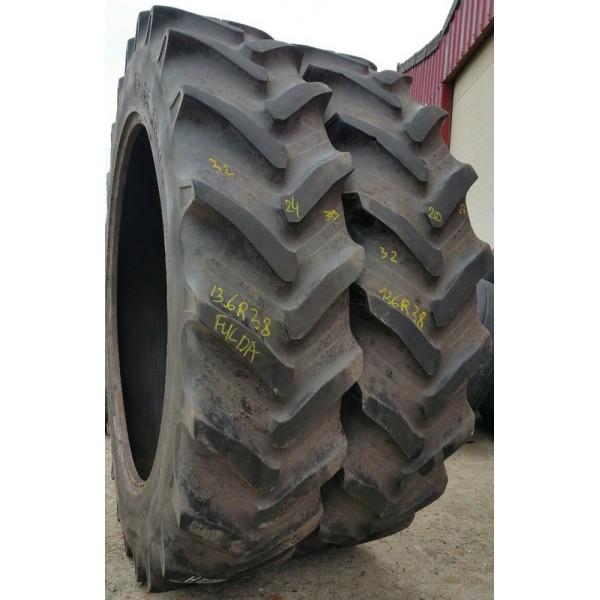 lot de 2 pneus tracteur 13 6r38 occasions fulda pionnier radial 13 6r38 340 85r38. Black Bedroom Furniture Sets. Home Design Ideas